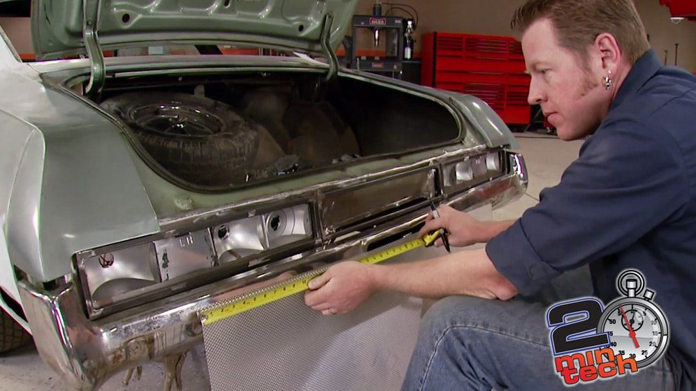 Two Minute Tech : Build A Custom Tail Panel & Tail Lights
