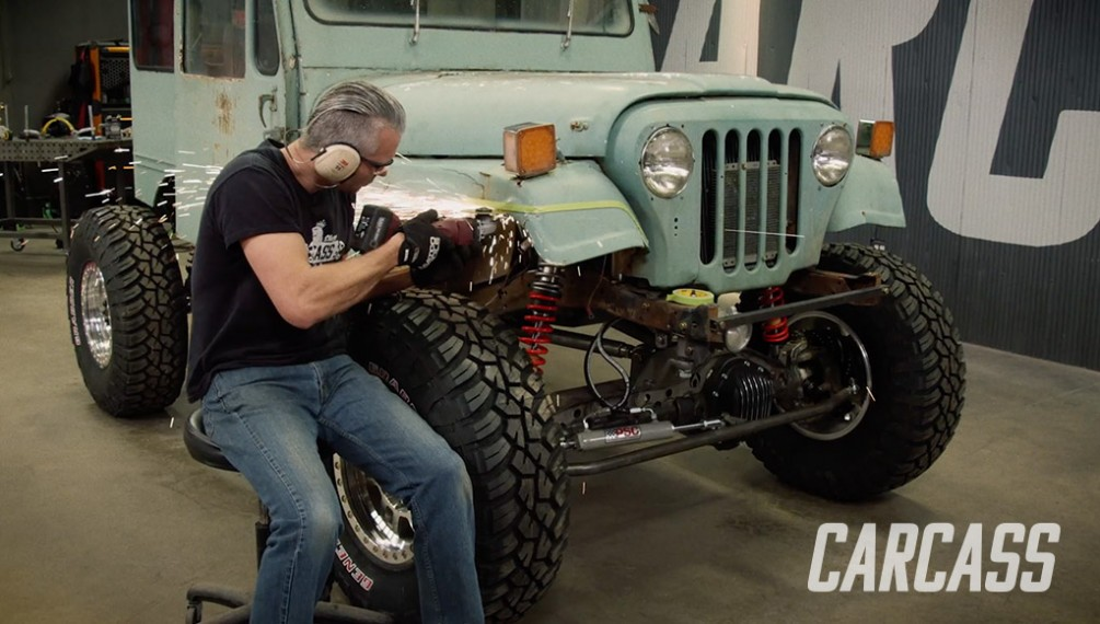 Junkmail Jeep's Big Tires Means More Body Clearance