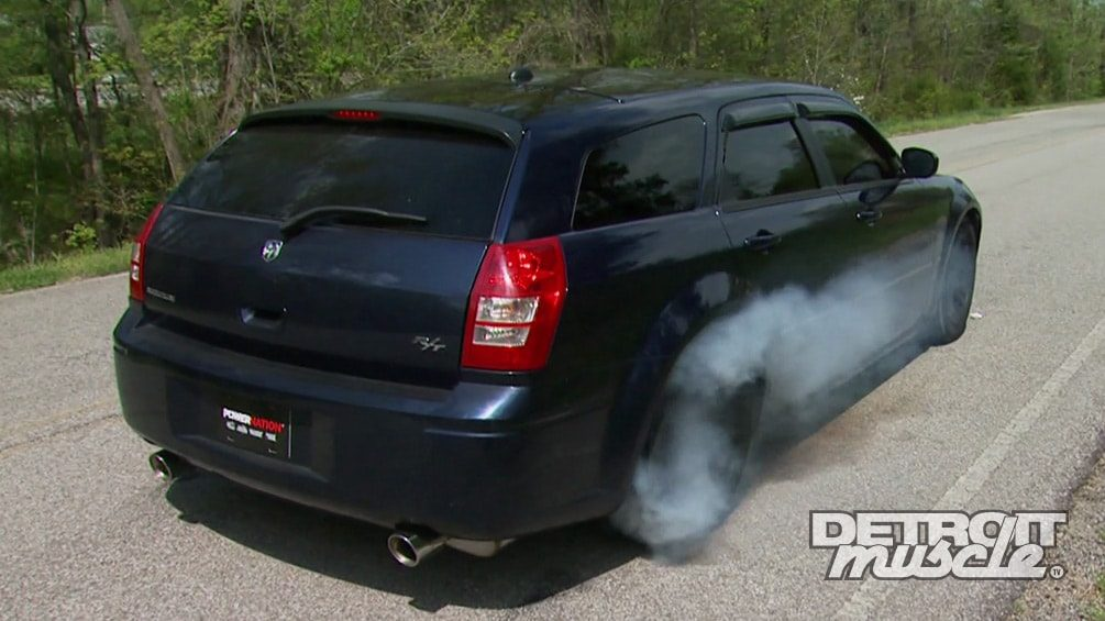 Dodge Magnum Hemi Wagon Transformed Into a Grocery Gladiator