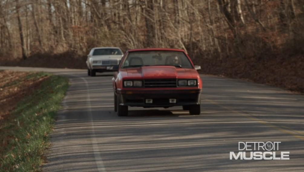 Un Buick Regal del 85 se enfrenta a un Ford Mustang Cobra del 81 en un concurso de construcción