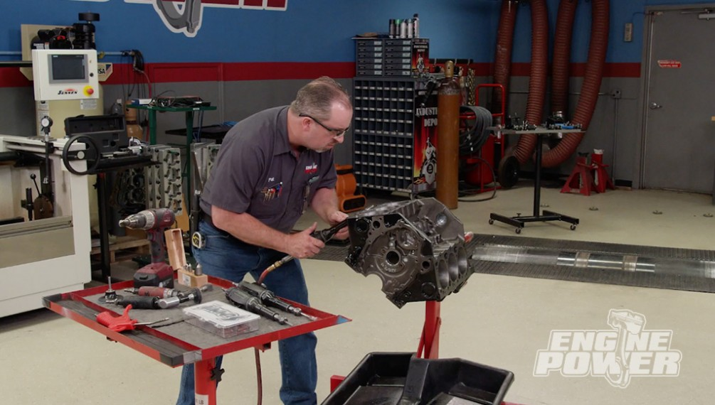 Laying The Foundation To Rebuild A GM 4.3L V6