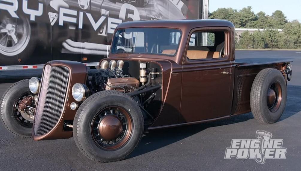 Factory Five Racing construye su primera camioneta con la ayuda de Engine Power