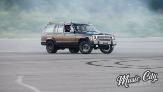 "Jeep Wagoneer Transformed: ""TrashHawk"" Hits The Track"