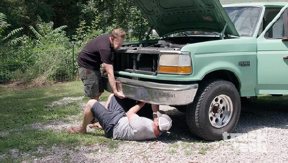Driveway Rescue: '94 Bronco
