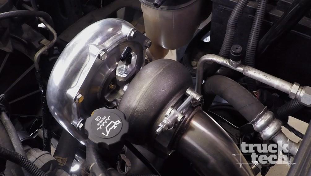 Un turbocargador para un Silverado de 2010