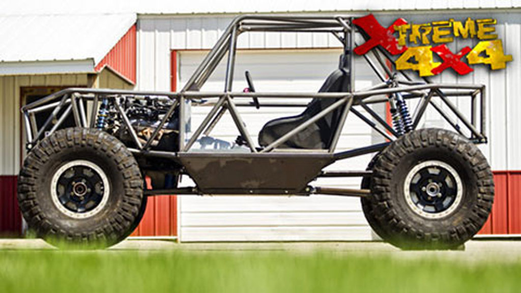 2-Car Garage Crawler Part 1 / Inside the Rock Crawler