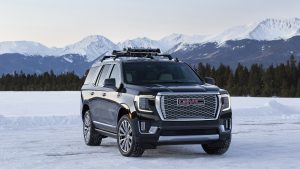 Is The 2021 GMC Yukon Diesel Inline Six Better Than a Gas-Powered V8?