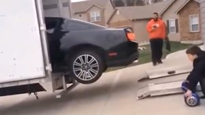 Don't Load Your Mustang GT Into A Trailer Like This